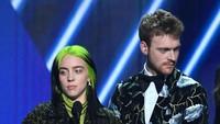 Borong Piala Grammy Bikin Kakak Billie Eilish Malu
