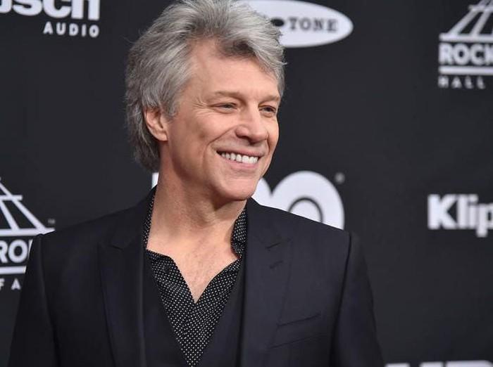 Inspiratif! Jon Bon Jovi Sediakan Makanan Gratis untuk Mahasiswa Kurang  Mampu