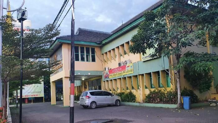 Kantor DPD Golkar Bekasi dijual di situs jual-beli online