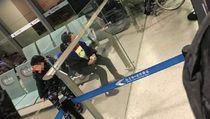Takut Virus Corona, Dua Anak Terpisah dari Ortu Saat Naik Pesawat