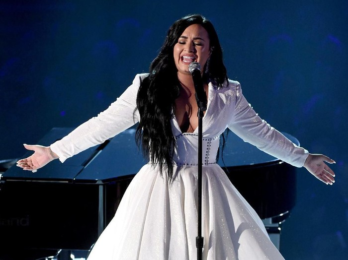 LOS ANGELES, CALIFORNIA - JANUARY 26: Demi Lovato performs onstage during the 62nd Annual GRAMMY Awards at STAPLES Center on January 26, 2020 in Los Angeles, California. (Photo by Kevin Winter/Getty Images for The Recording Academy )