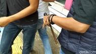 Penampakan Golok Berkarat Senjata Tegar Gorok Sopir Angkot di Garut