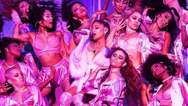 Penampilan Emosional Ariana Grande dari Imagine hingga Thank U, Next