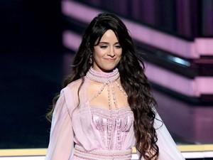 Penampilan Baru Camila Cabello dengan Rambut Bob, Makin Cantik & Imut
