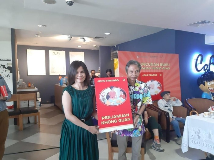 Buku Kumpulan Puisi Joko Pinurbo Perjamuan Khong Guan