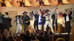 Melihat Lagi Penampilan BTS Menemani Lil Nas X