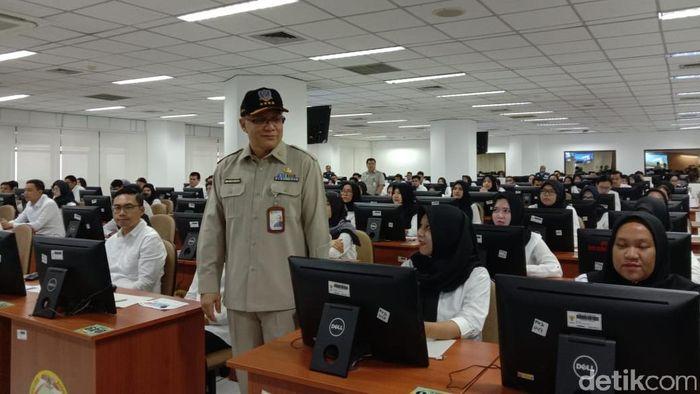 Kepala Badan Kepegawaian Negara (BKN) Bima Haria Wibisana saat Meninjau SKD CPNS 2019