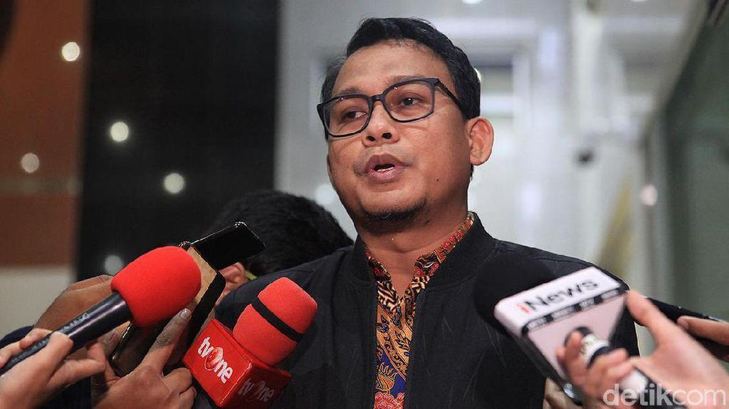 KPK Minta Haris Azhar Beberkan Lokasi Apartemen Mewah Nurhadi Bersembunyi