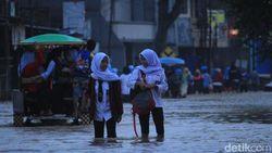 Masih Ada Potensi Banjir, Jakarta Waspada Krisis Air Bersih