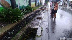 Mayat Anak di Gorong-gorong SMPN 6 Tasikmalaya Masih Berseragam Lengkap