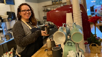 Keren! Wanita Ini Beli Coffee Shop yang Dulu Jadi Tempat Kerjanya