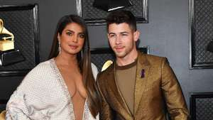 Keseksian Priyanka Chopra dengan Mini Dress Hitam