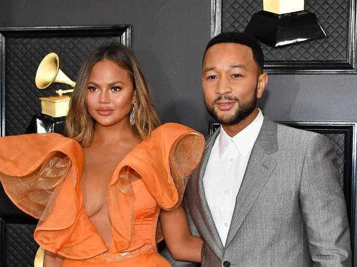 LOS ANGELES, CALIFORNIA - JANUARY 26: Chrissy Teigen attends the 62nd Annual GRAMMY Awards at Staples Center on January 26, 2020 in Los Angeles, California. (Photo by Amy Sussman/Getty Images)