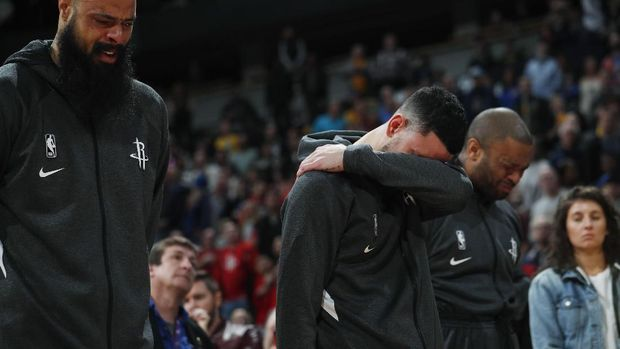 Hormati Kobe, Klub NBA Pensiunkan Nomor 24