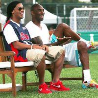 Kobe Bryant dan Ronaldinho