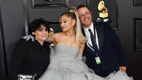 Ariana Grande Ajak Orang Tua di Grammy Awards 2020