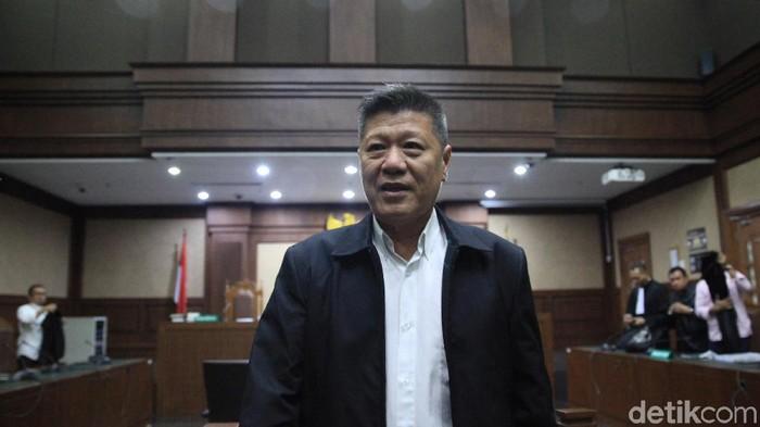 Pengusaha Kock Meng menjalani sidang kasus suap kepada eks Gubernur Kepulauan Riau (Kepri) Nurdin Basirun. Kock Meng dituntut 2 tahun penjara.