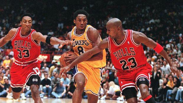 Kobe Bryant mengaku belajar banyak dari Michael Jordan.