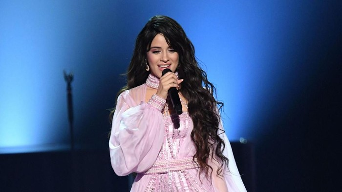 LOS ANGELES, CALIFORNIA - JANUARY 26: Camila Cabello performs onstage during the 62nd Annual GRAMMY Awards at STAPLES Center on January 26, 2020 in Los Angeles, California. (Photo by Kevin Winter/Getty Images for The Recording Academy )