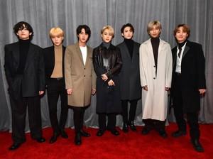 Gaya BTS hingga Ariana Grande di Red Carpet Grammy Awards 2020