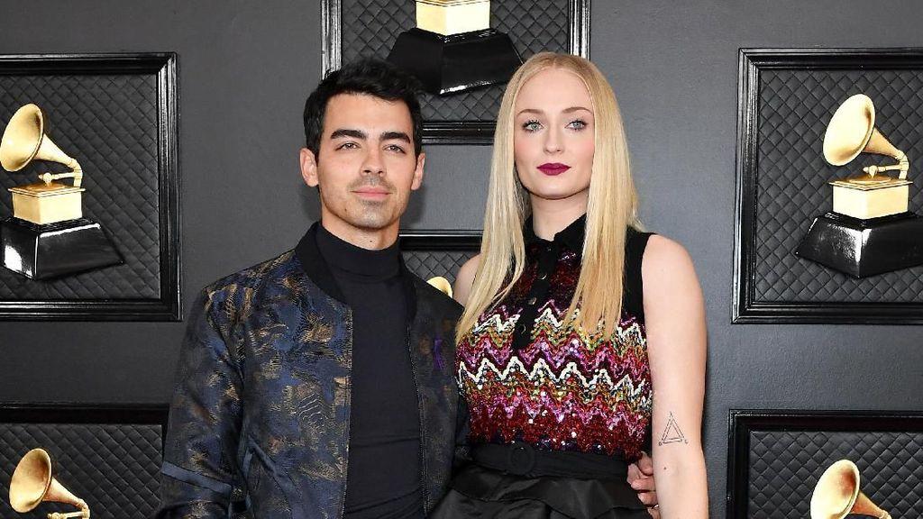 Dikabarkan Melahirkan, Ini Jenis Kelamin Anak Sophie Turner & Joe Jonas