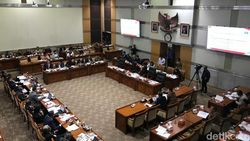 Desmond Cecar Syamsuddin Haris soal Pernyataan UU Baru Lemahkan KPK