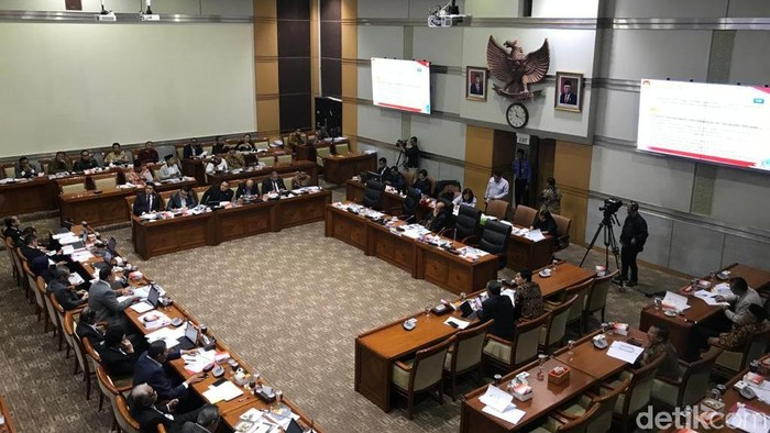 Rapat Komisi III DPR dengan Dewas KPK dan pimpinan KPK (Mochamad Zhacky/detikcom)
