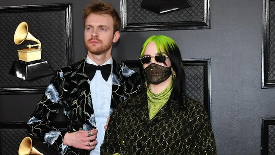 Billie Eilish tampil Serba Hijau-Hitam di Grammy Awards 2020