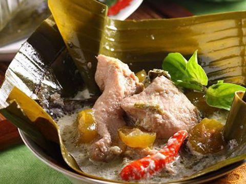 Masak Apa Hari Ini : Garang Asem Ayam dan Bistik Jawa Khas Solo