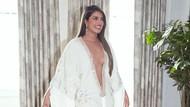 Foto: Gaya Priyanka Chopra di Grammy Awards 2020 yang Dikritik Terlalu Seksi