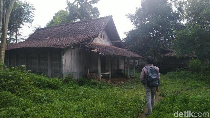Rumah Sukiyah perempuan yang ditemukan berambut gimbal berkecoak di Semarang, Selasa (28/1/2020).