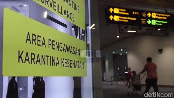 Petugas kesehatan di Bandara Soekarno-Hatta terus siaga selama 24 jam guna mengantisipasi penyebaran dan masuknya virus corona asal China yang menggemparkan dunia. Begini potretnya.