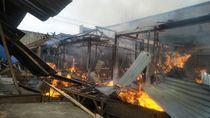 Puluhan Kios di Pasar Cikajang Garut Terbakar