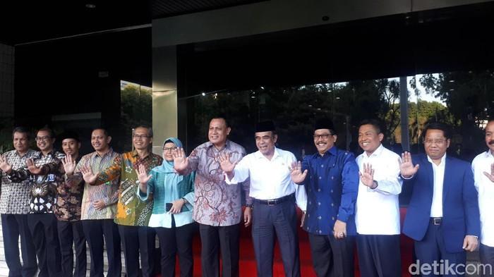 Ketua KPK Firli Bahuri dan para pimpinan KPK menemui Menag Fachrul Razi.