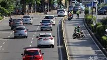 Video Pemotor Berpelat Merah Masuk Busway dan Marah-marah