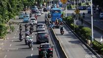 Ditilang, Pemotor Pelat Merah di Busway Cengkareng Seorang PNS di Kementerian