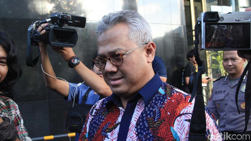 Ketua KPU Penuhi Panggilan KPK terkait Kasus Suap PAW DPR
