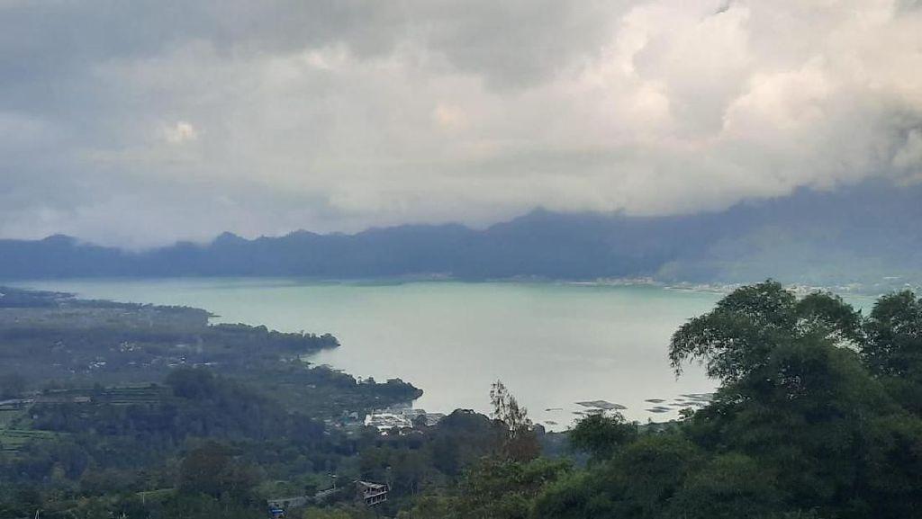 Air Danau Batur Berubah Warna Jadi Hijau, PVMBG Imbau Warga Tak Konsumsi