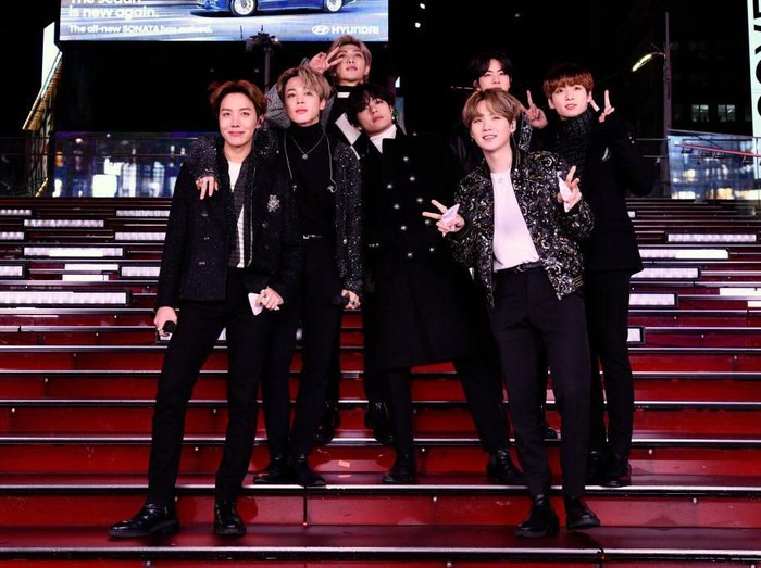 NEW YORK, NEW YORK - DECEMBER 31: BTS performs during Dick Clarks New Years Rockin Eve With Ryan Seacrest 2020 on December 31, 2019 in New York City. (Photo by Eugene Gologursky/Getty Images for Dick Clark Productions )