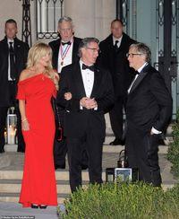 Syukuran Rumah, Orang Terkaya Dunia Pesta Bareng Bill Gates