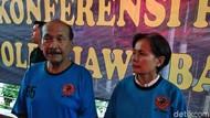 Biasa Berseragam Bak Militer, Dedengkot Sunda Empire Kini Bersandal Jepit