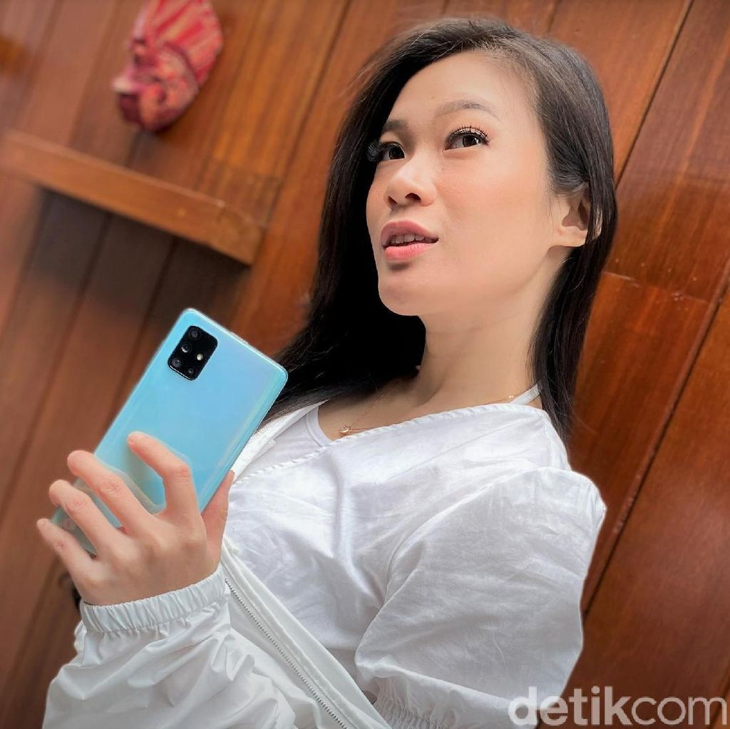 Galaxy A71, Ponsel Trendi Performa Mumpuni