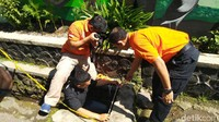 Kronologi Ayah Biadab Bunuh dan Buang Mayat Delis ke Gorong-gorong