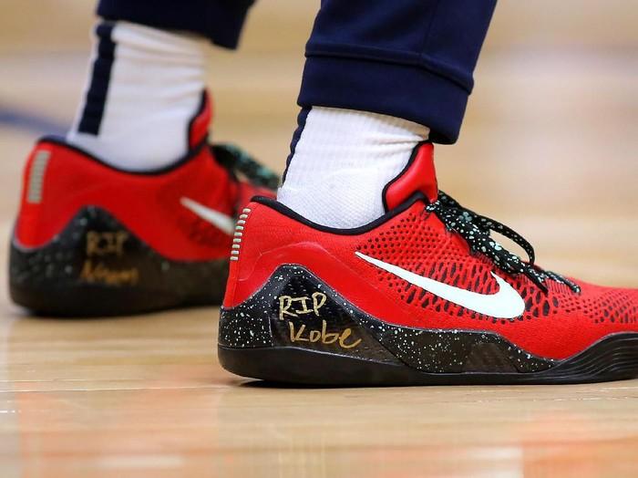 Sepatu Tribute Kobe Bryant