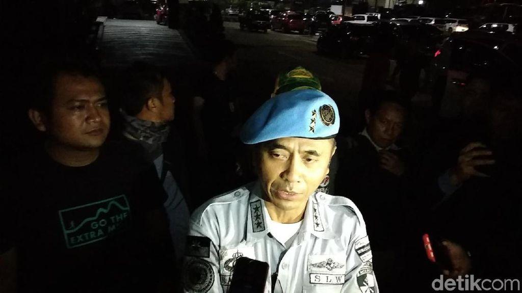 Nasri Banks-Raden Rangga Sunda Empire Ditahan di Mapolda Jabar