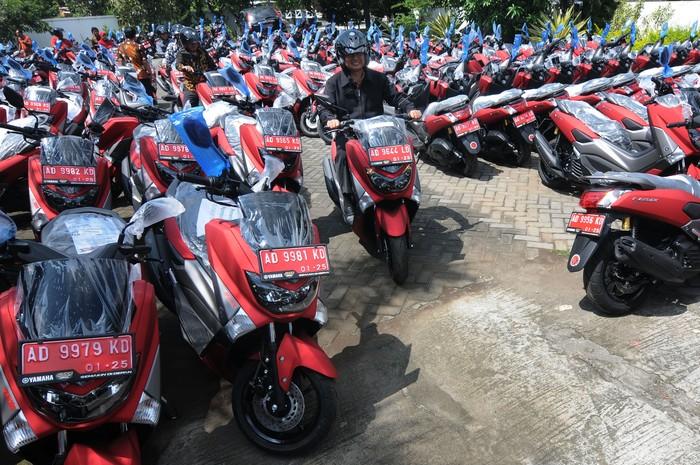 267 unit motor dibagikan kepada kepala desa dan lurah se-Kabupaten Boyolali, Jateng. Motor itu diharapkan dapat digunakan untuk keperluan operasional.