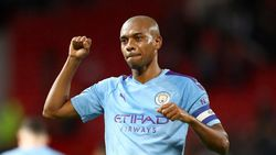 Dikontrak Setahun Lagi, Fernandinho di Man City Hingga 2021