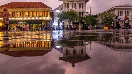 Setelah Hujan di Kota Tua