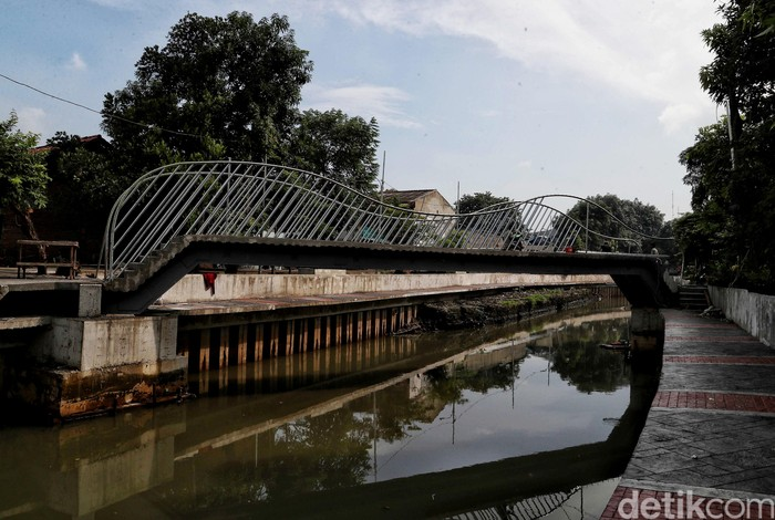 Pemprov DKI Jakarta lakukan penaataan kampung Kerapu, Lodan, Jakarta Utara. Penataan bertujuan untuk merapikan kawasan tersebut.