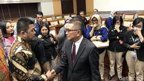 Tangis Pegawai TVRI Pecah Usai Helmy Yahya Rapat Bareng Komisi I DPR